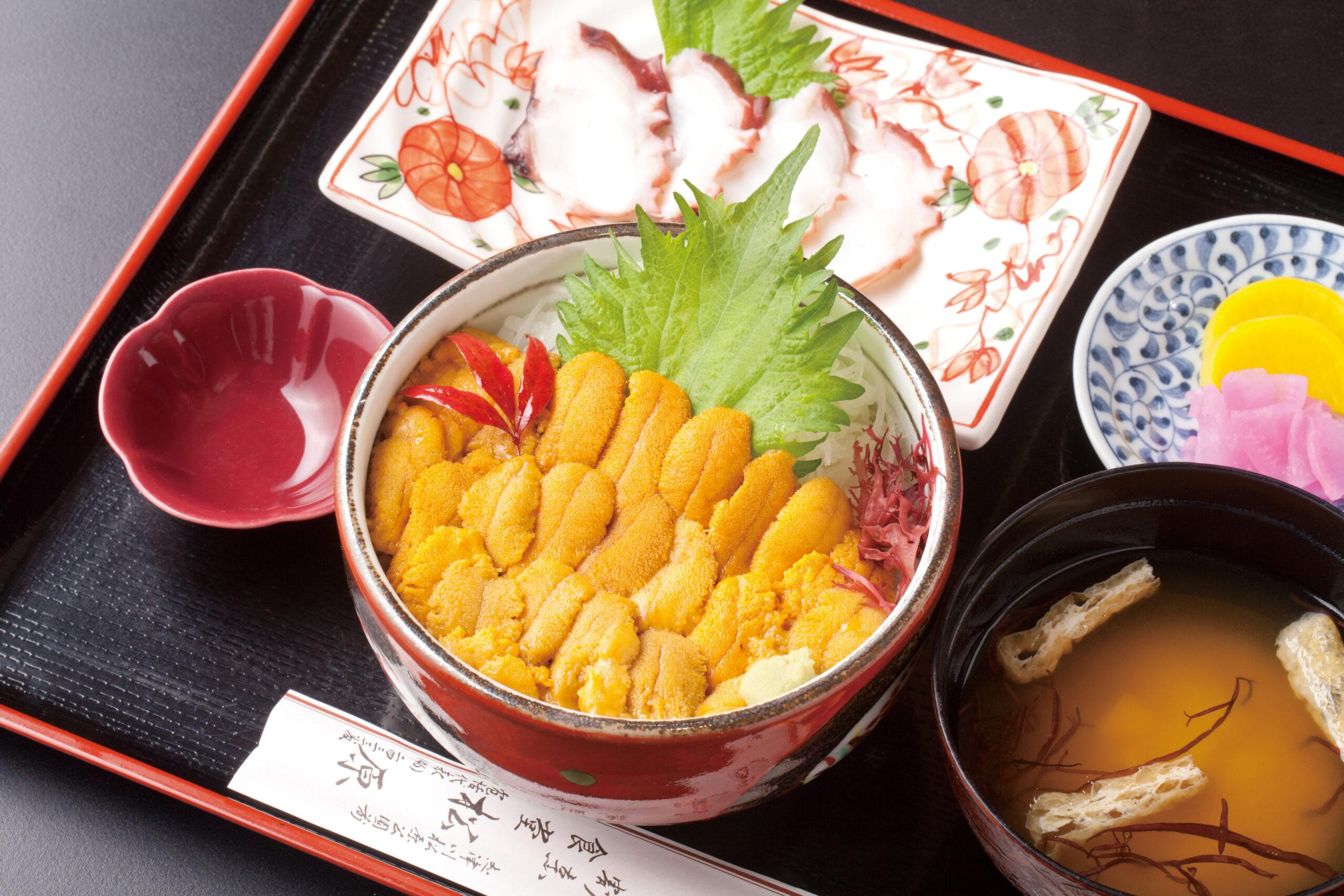 季節の豪華キラキラ丼のご昼食と南三陸さんさん商店街